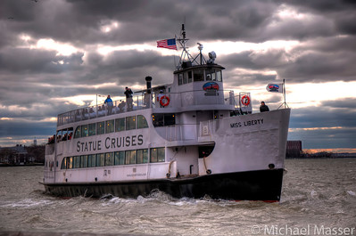 Battery-Park-Ferry-HDR