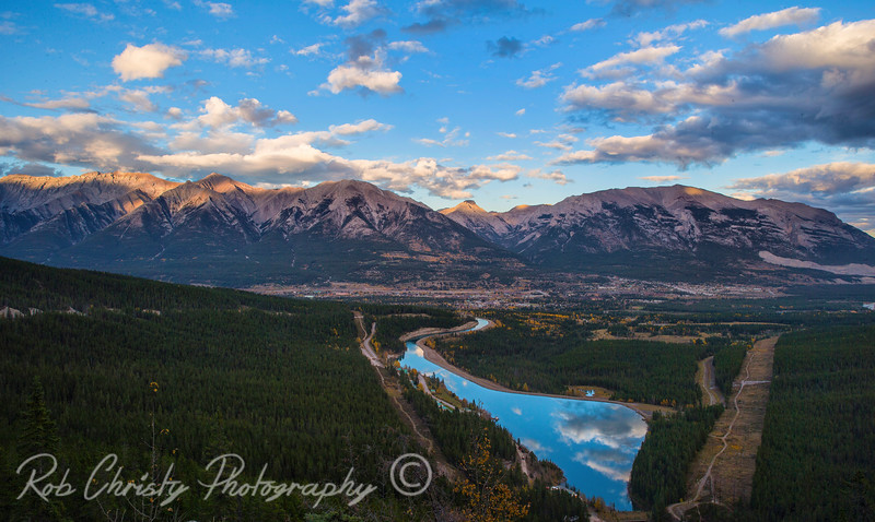 Canmore, Alberta viewed from the Smith Dorrien Trail<br /> <br /> RWC18594e