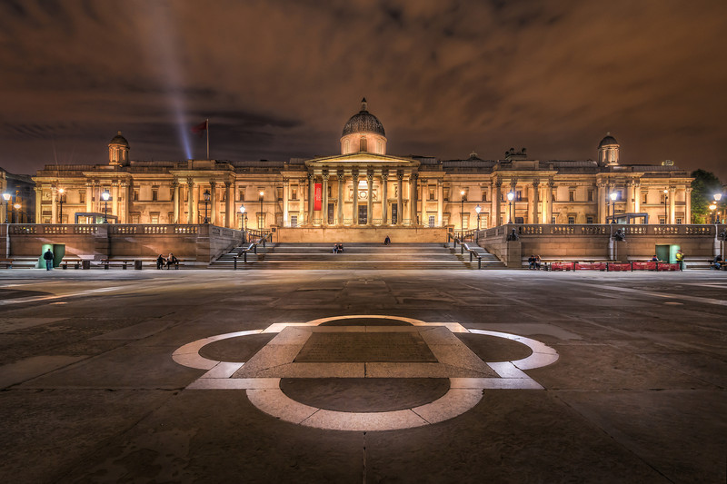 On Trafalgar Square in London lies the enormous National Gallery. An old huge beautiful building. Photo by: Jacob Surland, www.caughtinpixels.com