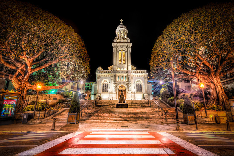 Circular trees embrasing a Church