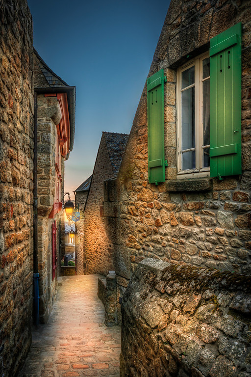 Empty street in Mont Saint Michel