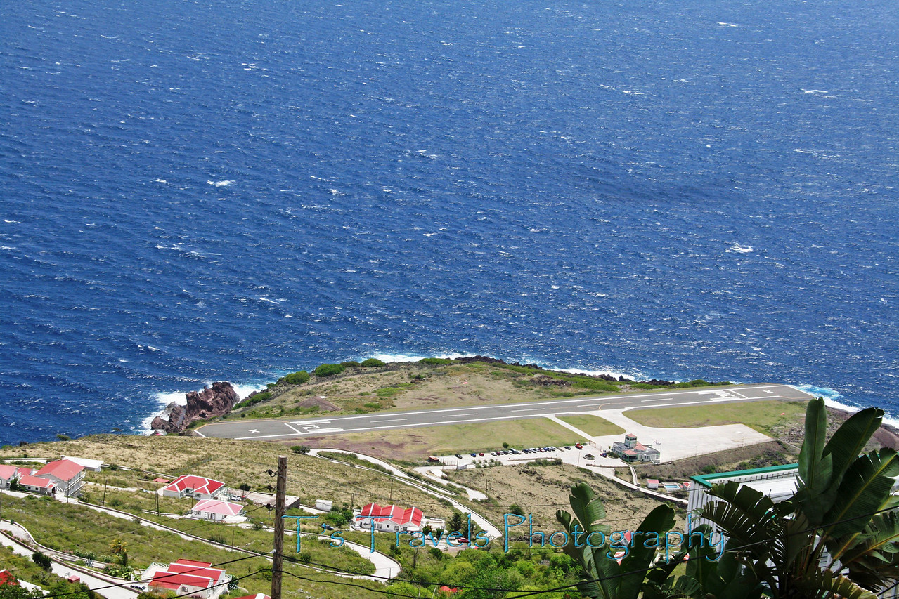 Saba International Airport - world's shortest commercial airport runway, only 400 meters