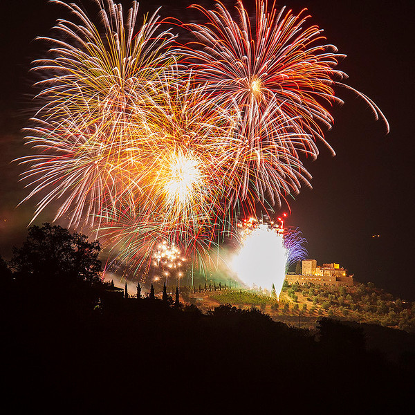 Magnificent fireworks display at Castello di Velona.