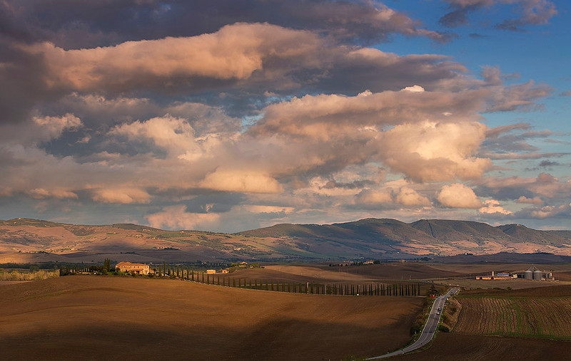 Tuscany sunset, rain is coming.