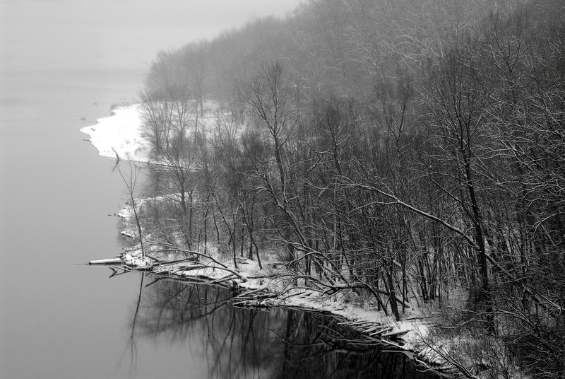 Winter river bank from the Lake St. Bridge.