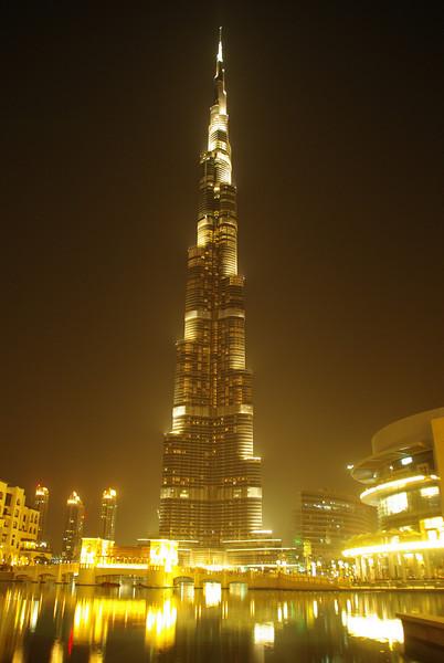 "The highest Building in the world in Dubai, Burj Khalifa<br /> For the german report check out: <a href=""http://blog.tapir-store.de/planet-erde-reiseberichte/8569.von-mumbai-meeresspiegel-zum-basecamp-des-mount-everest-5364meter.html"">http://blog.tapir-store.de/planet-erde-reiseberichte/8569.von-mumbai-meeresspiegel-zum-basecamp-des-mount-everest-5364meter.html</a>"