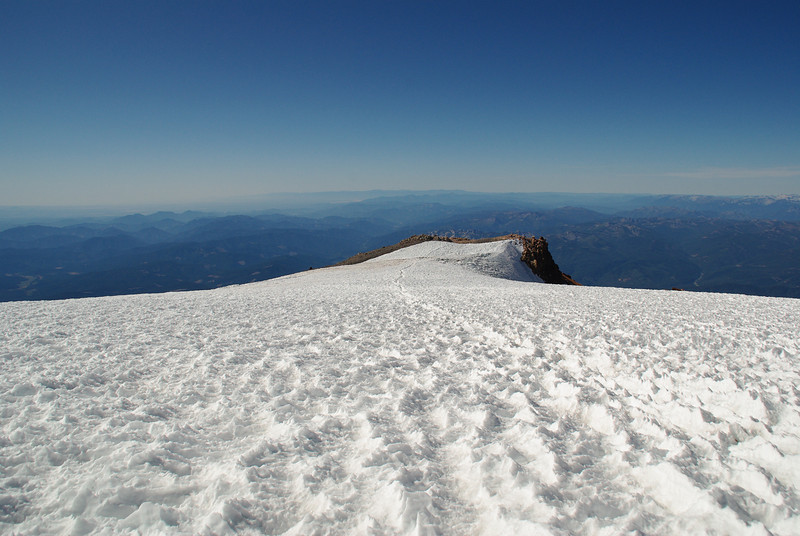 View from the summit of Mount Shasta (4317M)