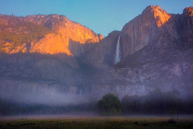 Upper And Lower Yosemite In The Fog - Yosemite National Park, Sierra Nevadas, California