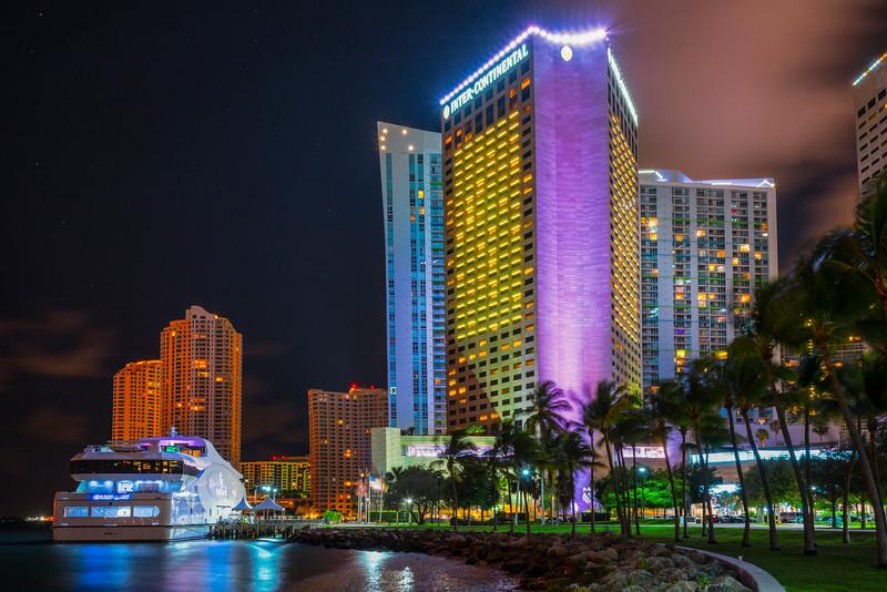 Bayfront Park And Miami Harbour At Night - Downtown Miami, Florida
