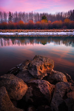 Down By The River During Peak Autumn Season - Deschutes River, Bend, Oregon St