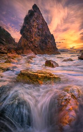 Converging Splash Rocks_Harris Beach - Harris Beach, Southern Oregon Coast, Oregon