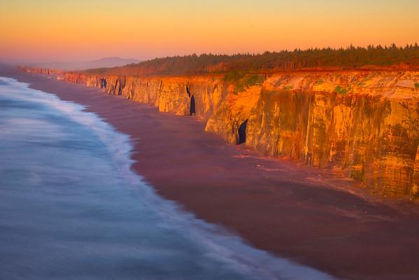 The Last Light On The Cliffs Of Blackrock Point - Oregon Coast, Oregon