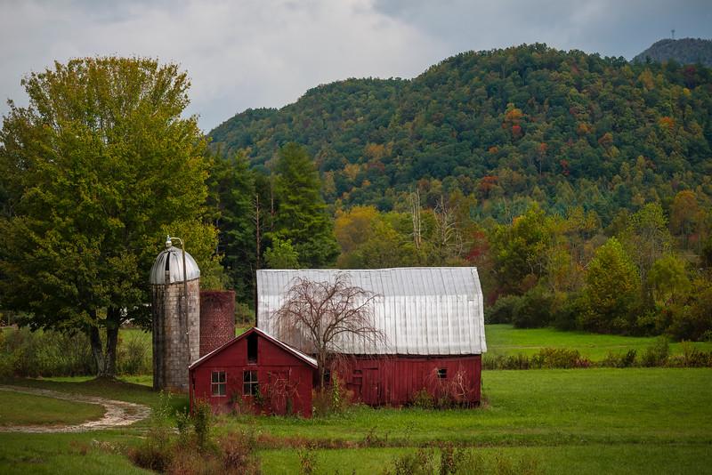 Rural Barn On The Boundaries Of Pisgah Forest - Pisgah Forest, North Carolina