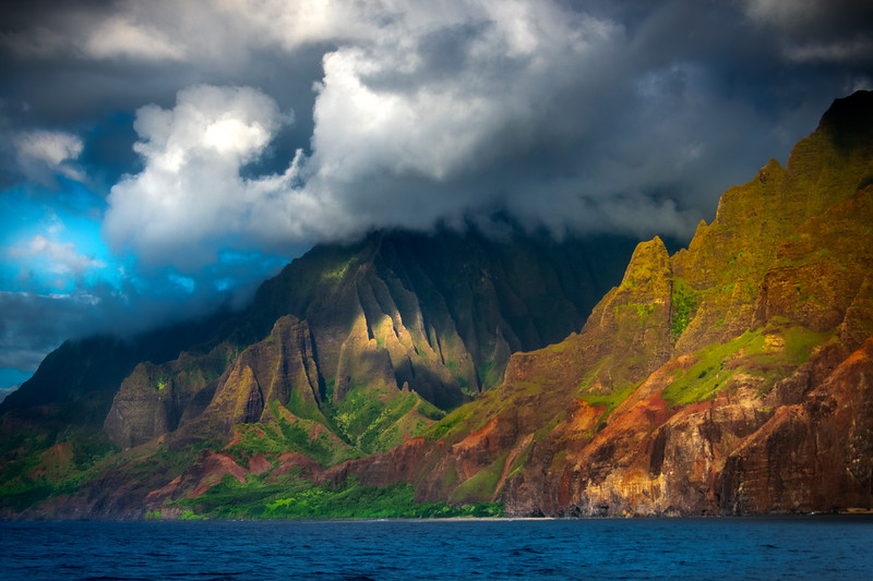 Heading Into Paradise - Na Pali Coastline, Kauai, Hawaii