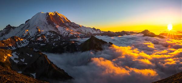 Mt Rainier Last Light As Sun Sets On Horizon