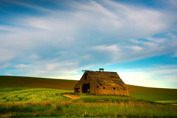 Afternoon Sidelight On Ladow Barn - Ladow Butte Barn, Garfield, Palouse, WA