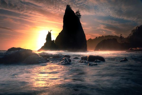 Rialto Seastacks As Sun Begins To Descend -  Rialto Beach, Olympic National Park, Washington