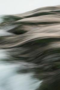 Niagara river wave