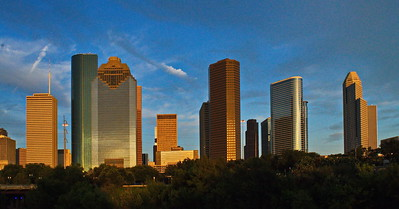 Houston_Downtown_Skyline_dusk_D71_4829