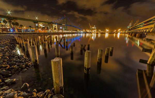 Vincent Thomas Bridge at night