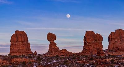 Super Moon rising over Balanced Rock