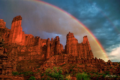 Rainbow Over Fisher Towers
