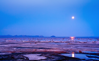 Good Morning Moon @ Great Salt Lake, Utah