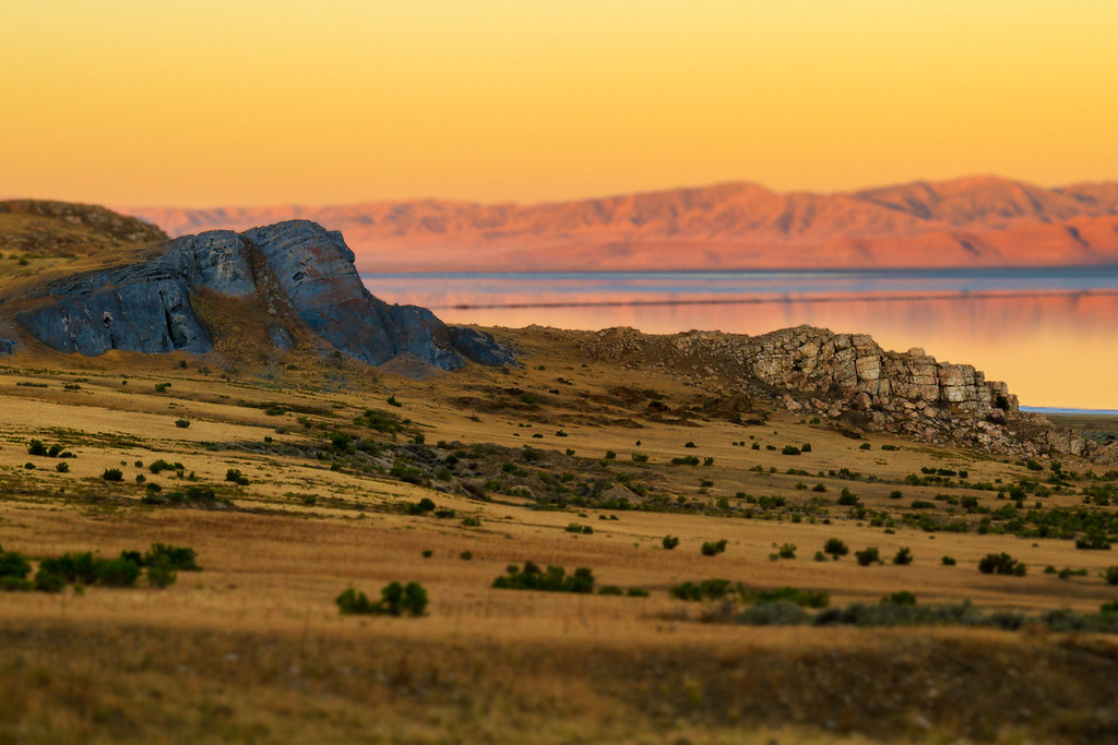 Wonderful contrasting Cliffs on Stansbury Island, Great Salt Lake, Utah