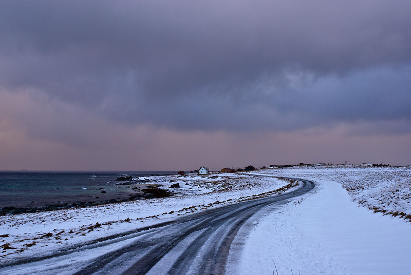 Lond winding road