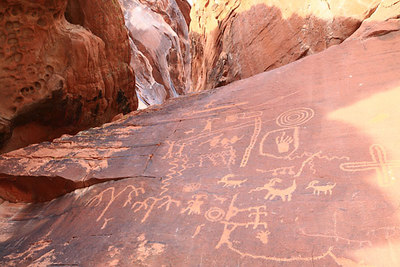 Canyon Petroglyphs One of the main attractions at Valley of Fire is Atlatl Rock, which displays old Indian rock art which has preserved for us to enjoy!
