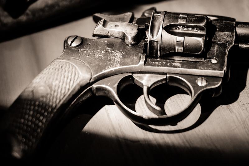 Revolver d'ordonnance - Mémorial Verdun