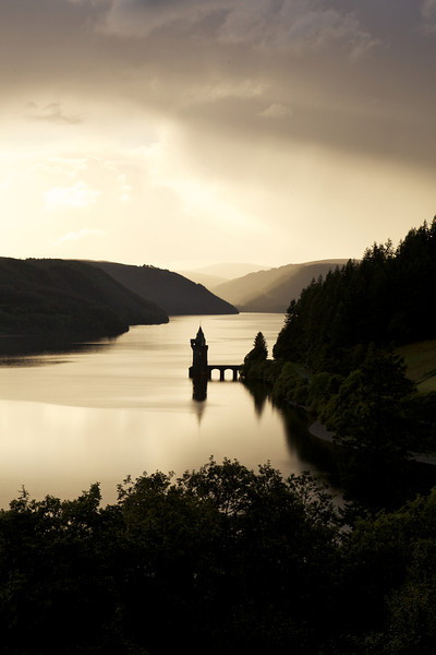 lake vyrnwy ,evening