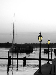 Dock Lamps B&W