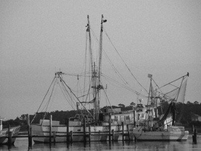 Swansboro Boat B&W