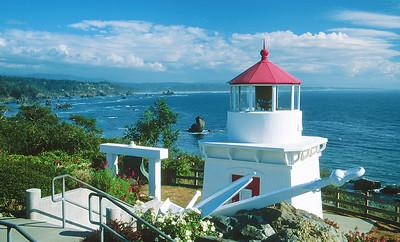 (B072)  Lighthouse at Trinidad Head, California