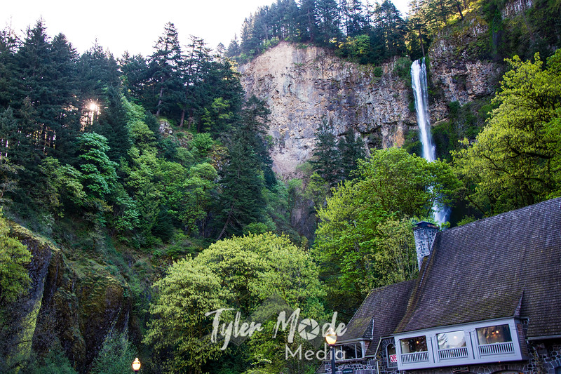 2  G Multnomah Falls and Lodge