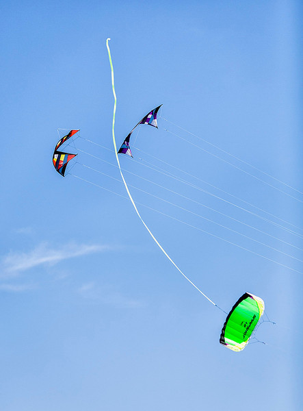 Acrobatic kites on the mall in DC