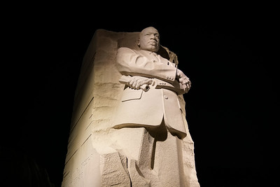 20160415-213003_[Martin Luther King Memorial at night]_0002_Archive