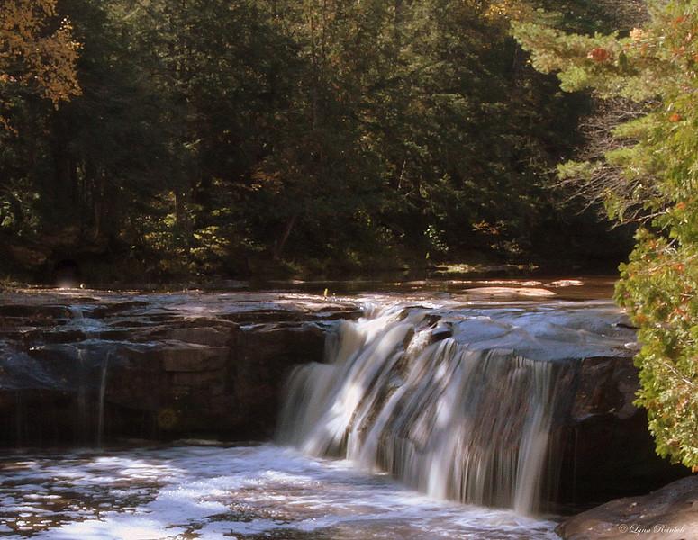 Upper O Kun de Kun Falls, Michagan
