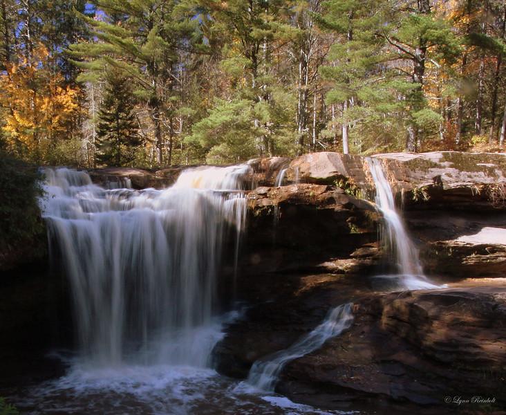 O Kun de Kun Falls, Michagan