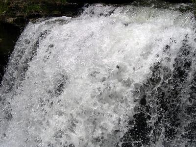 Waterfall at Lake ANN (3)