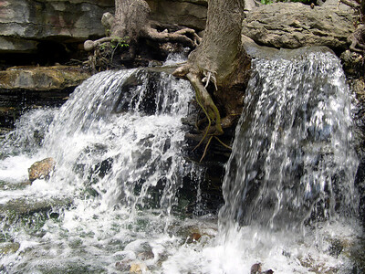 Waterfall at Lake ANN (15)