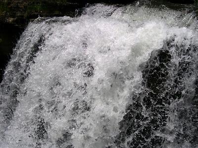 Waterfall at Lake ANN (2)