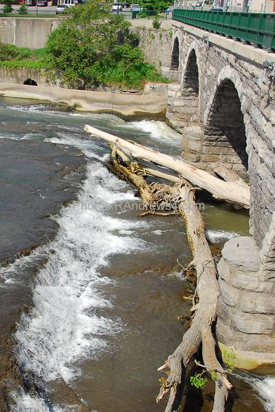 20100522 Rapids next to Court Street Bridge