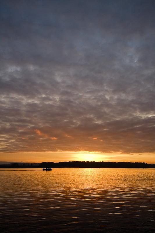 River Sunrise (88416216)