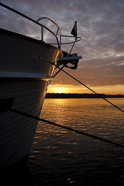 Bow Sunrise (88416218)