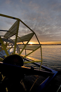 Paddle Wheel Sunrise (88416221)