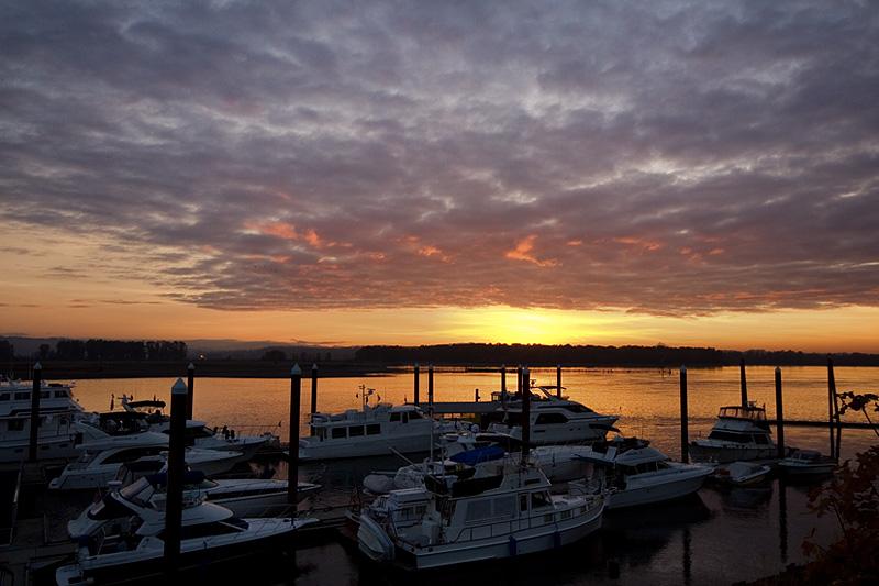 Marina Sunrise (88416214)