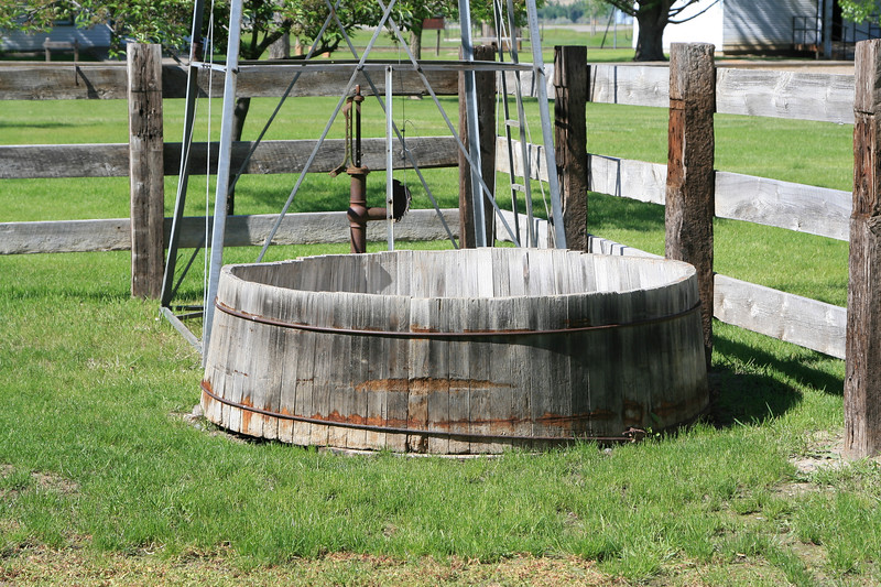 Antique Water Trough_SS7798