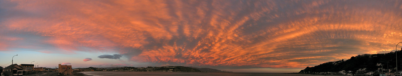 Lyall Bay has a wide open sky which makes for great sunset vistas.